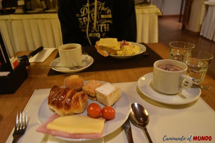 Desayuno Hotel Mirador del Lago