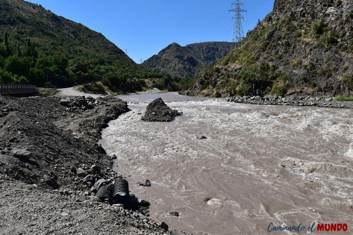 Río en San Jose de Maipo