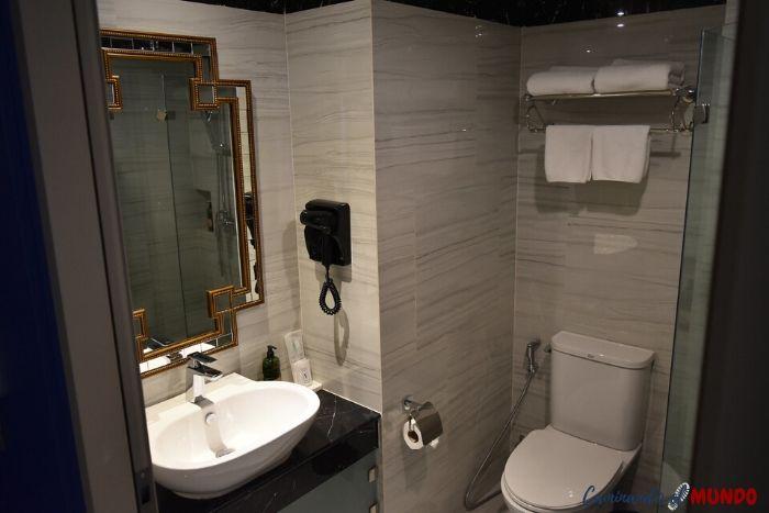 Baño del hotel Vince en Bangkok