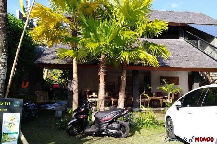 Moto alquilada en el hotel en Ubud