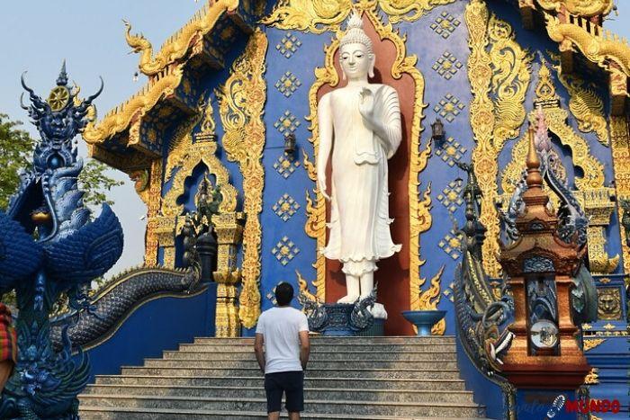 Templo azul desde atrás