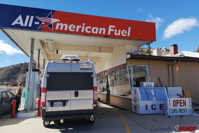 Motorhome en gasolinera USA