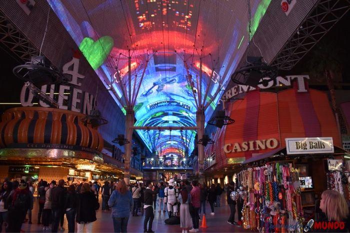 Fremont Street al visitar Las Vegas