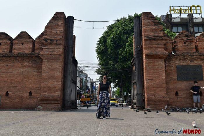 La ciudad amurallada de Chiang Mai en Tailandia