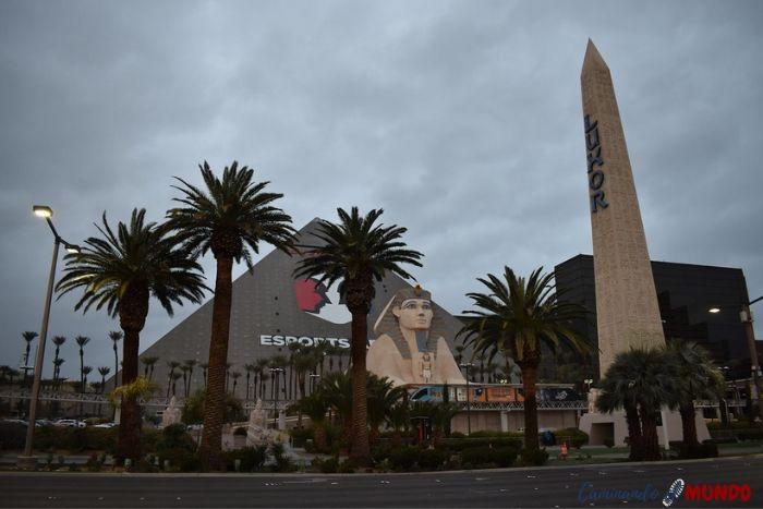 Hotel Luxor en el Strip de Las Vegas