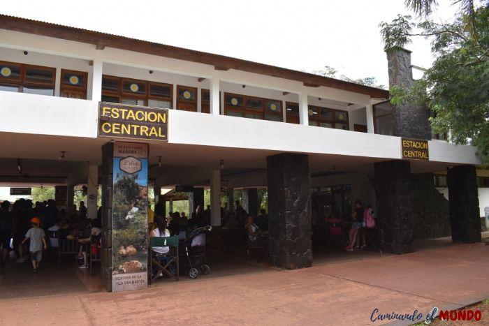 Estación Central de Iguazú colapsada al visitar las cataratas