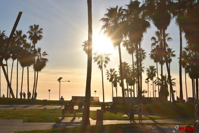 Atardecer en Venice, imperdibles entre los lugares que ver en Los Ángeles.