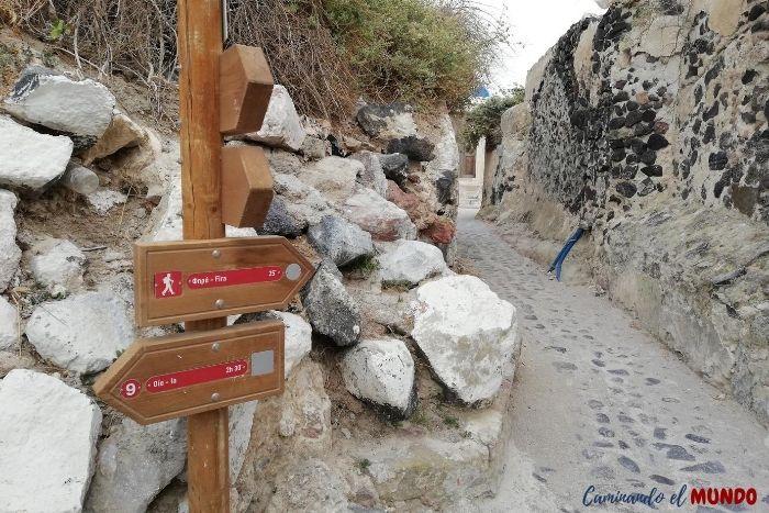 Sendero por los pueblos de Santorini