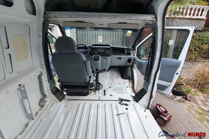 Desarme del furgon - Camperización
