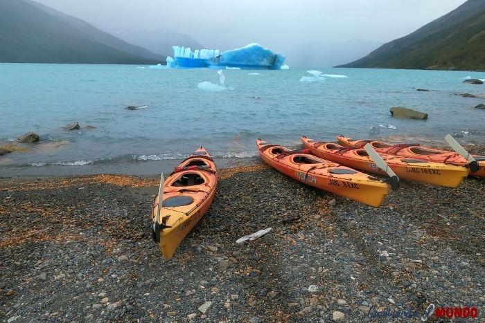 Kayak en el Lago Argentino